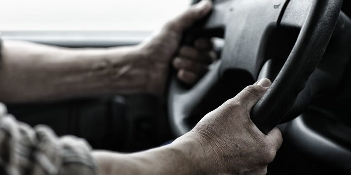 16460549 - male driver hands holding steering wheel. Schlagwort(e): driver, driving, steering, wheel, hands, worker, working, black, dirt, dirty, tough, rough, car, transportation, industry, industrial, strong, delivery, male, person, man, hold, holding, van, truck, trucker, real, people, detail, closeup, close, up, american